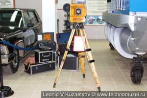 Фотокамера ФК-18х24 и звукомонтажный аппарат КИНАП в музее ЗиЛ в Сокольниках