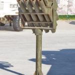 Пусковая установка реактивных снарядов на тумбовом станке на выставке сирийских трофеев в парке Патриот