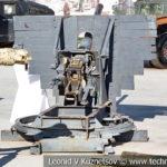 73-мм орудие 2А28 Гром на станке кругового обстрела на выставке сирийских трофеев в парке Патриот