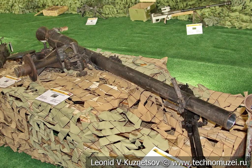 Ручной гранатомет кустарного производства боевиков на выставке сирийских трофеев в парке Патриот