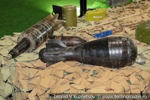 Самодельные боеприпасы боевиков на выставке сирийских трофеев в парке Патриот