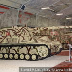 88-мм немецкая самоходная артиллерийская установка III/IV Nashorn в музейном комплексе парка Патриот
