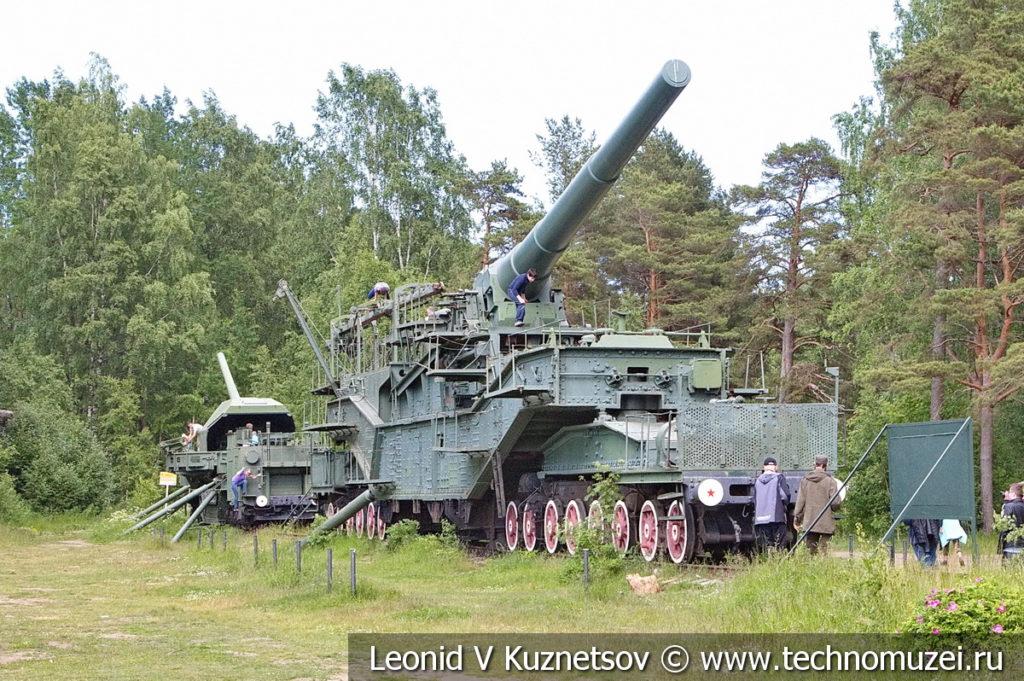Балтийские транспортеры ТМ-3-12 и ТМ-1-180 в музее форта Красная Горка