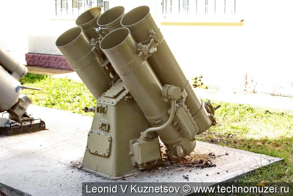 Реактивно-бомбовая установка РБУ-1200 Ураган в Ленино-Снегиревском военно-историческом музее