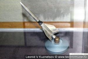 Авторучка-сувенир из металла сбитого самолета в музее войск ПВО в Балашихе