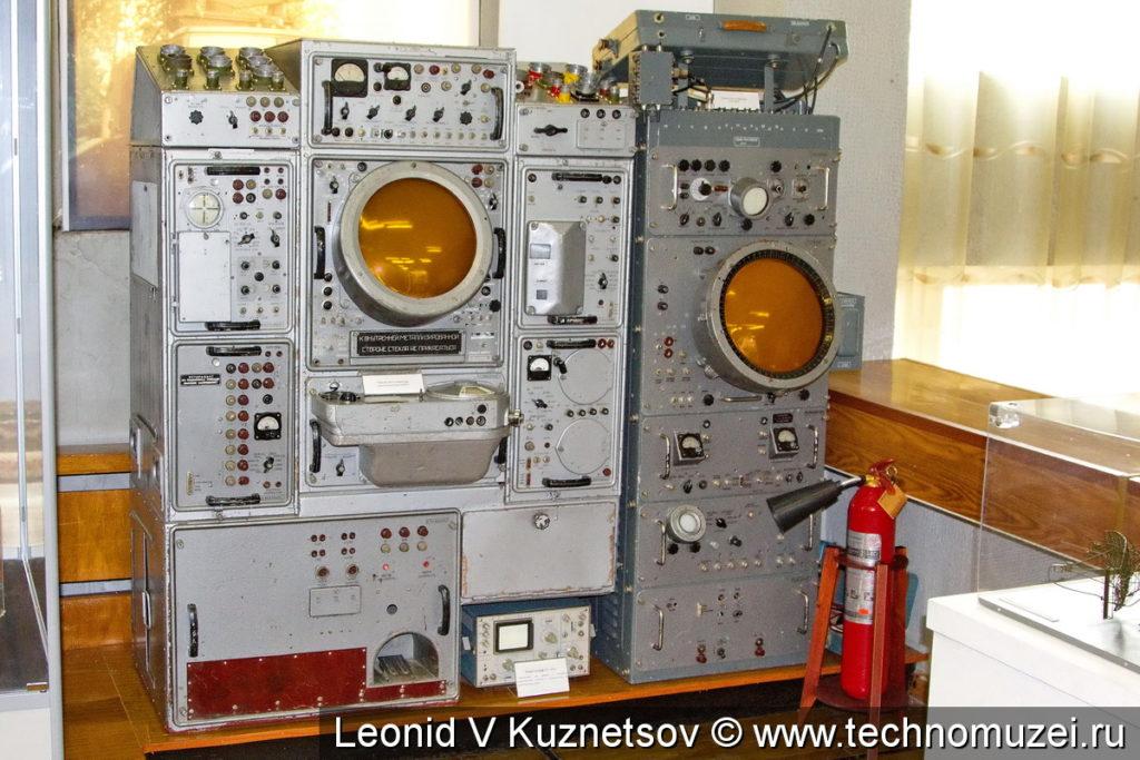 Рабочее место оператора радиовысотомера ПРВ-9 в музее войск ПВО в Балашихе