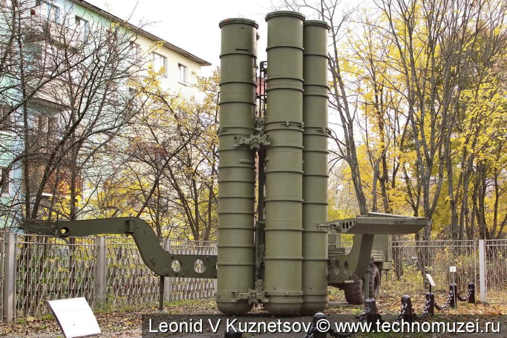 """Пусковая установка 5П851 комплекса С-300ПТ """"Бирюса"""" в музее войск ПВО в Балашихе"""