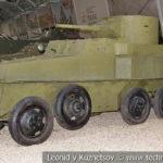 Плавающий бронеавтомобиль ПБ-4 в музейном комплексе парка Патриот