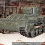 Английский пехотный танк Mk.III Valentine-II в музейном комплексе парка Патриот