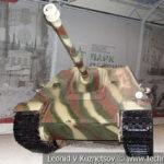 88-мм немецкий истребитель танков Jagdpanther в музейном комплексе парка Патриот