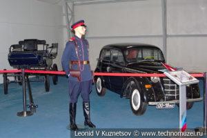 Сержант милиции в форме 1943-1958 годов в музейном комплексе парка Патриот