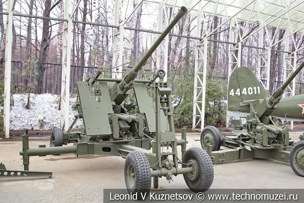 40-мм американская зенитная пушка Bofors M1 в музее Победы на Поклонной горе