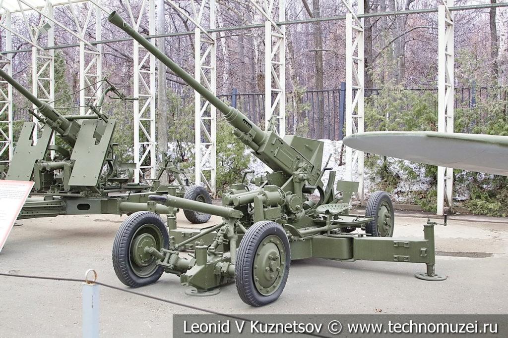 40-мм английская зенитная пушка Bofors QF Mk I 1938 года в музее Победы на Поклонной горе