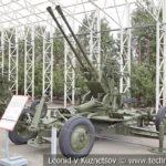 37-мм автоматическая спаренная зенитная пушка В-47 образца 1944 года в музее Победы на Поклонной горе