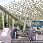 152-мм корпусная пушка-гаубица МЛ-20 (52-Г-544А) образца 1937 года с передком в музее Победы на Поклонной горе