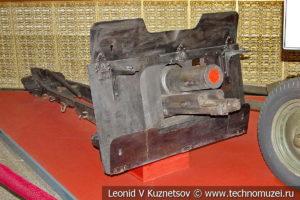 Остатки 76-мм полковой пушки образца 1927 года, обнаруженные в районе Мясного Бора в музее Победы на Поклонной горе