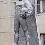 Памятник лётчику в микрорайоне Заря в Балашихе