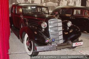 Cadillac V-12 Series 370D Brougham Limousine 1935 года в автомузее Моторы Октября в Москве