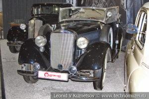 Кабриолет Mercedes-Benz 230 (W-143) 1936 года в автомузее Моторы Октября в Москве