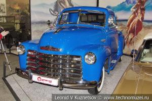 Пикап Chevrolet 3100 1953 года в автомузее Моторы Октября в Москве