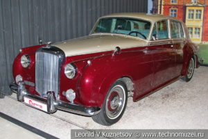 Bentley S2 Continental 1961 года в автомузее Моторы Октября в Москве