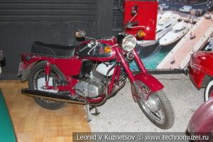 Мотоцикл Jawa в автомузее Моторы Октября в Москве