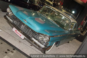 Buick Le Sabre седан 1959 года в автомузее Моторы Октября в Москве