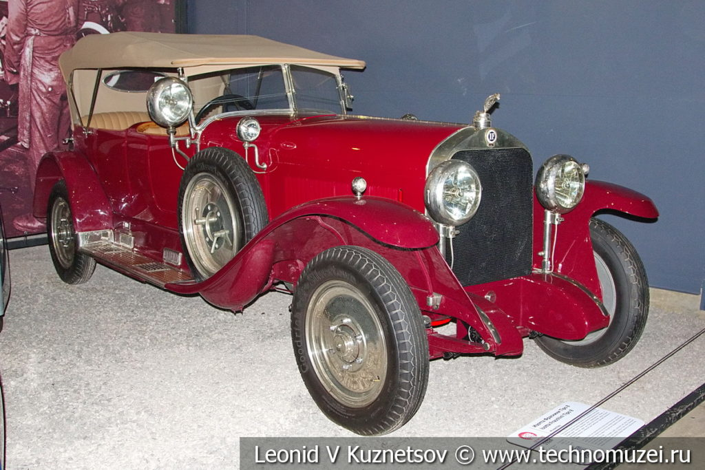 Isotta Fraschini Tipo 8 1924 года с кузовом фаэтон в автомузее Моторы Октября в Москве