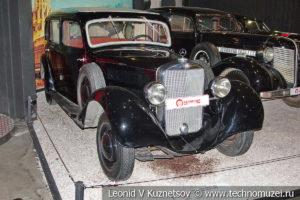 Mercedes-Benz 320 (W-142) 1937 года с кузовом лимузин в автомузее Моторы Октября в Москве