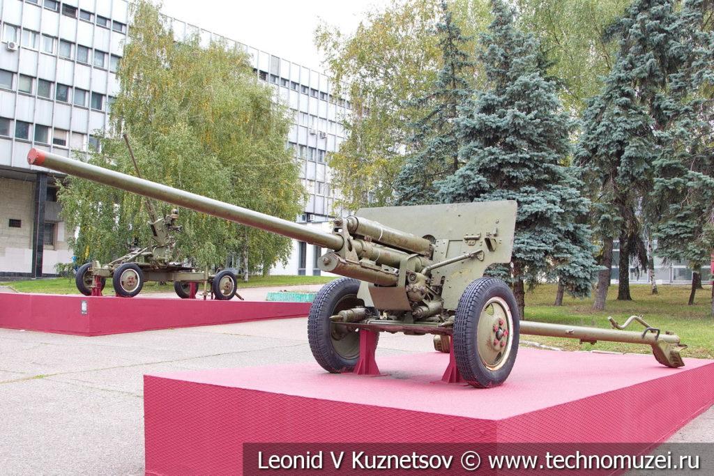 76-мм дивизионная пушка ЗиС-3 (52-П-354У) образца 1942 года в Музее обороны Москвы