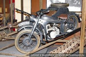 Немецкий мотоцикл BMW-R12 с коляской 1941 года с пулемётом MG-34 в Музее обороны Москвы