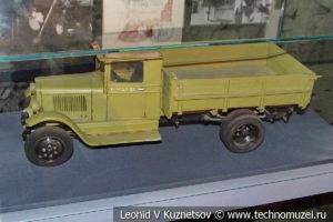 Грузовик ЗиС-5 в Музее обороны Москвы