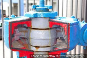 Пробковый кран в музее магистрального транспорта газа