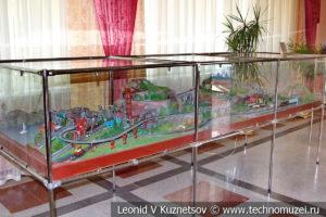 Макет Железная дорога в горах в выставочном зале Тульской детской железной дороги