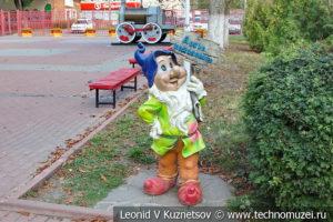 Скульптура Гном на Тульской детской железной дороге