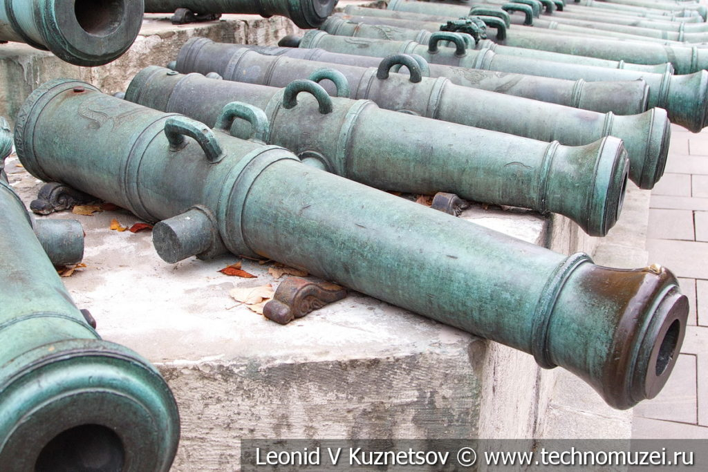 6-фунтовая ганноверская пушка армии Наполеона в Московском Кремле