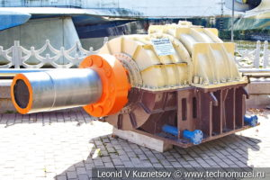 Главный упорный подшипник подводной лодки в Музее Военно-морского флота в Москве
