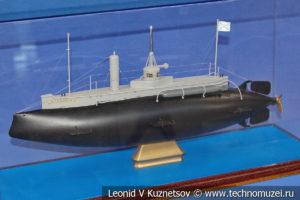 Подводная лодка Дельфин миноносец №150 (модель) в Музее Военно-морского флота в Москве