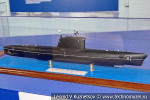 Большая подводная лодка проекта АВ611 (модель) в Музее Военно-морского флота в Москве
