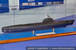 Большая подводная лодка проекта 611 (модель) в Музее Военно-морского флота в Москве