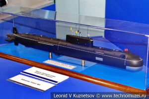 Атомная подводная лодка третьего поколения проекта 685 Плавник (модель) в Музее Военно-морского флота в Москве