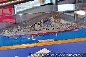 Ракетный крейсер Москва (модель) в Музее Военно-морского флота в Москве