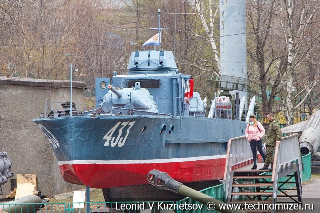 Бронекатер проекта 1124 в Центральном музее Вооруженных Сил
