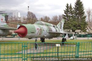 Реактивный истребитель МиГ-21СМ в Центральном музее Вооруженных Сил