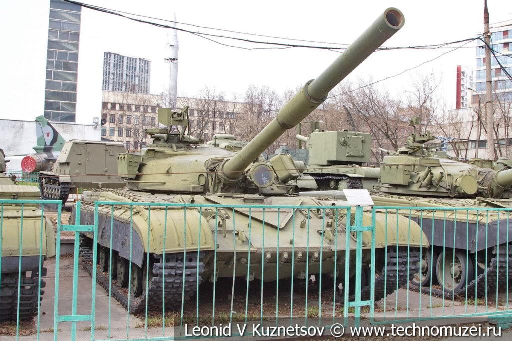 Основной боевой танк Т-64А образца 1973 года в Центральном музее Вооруженных Сил