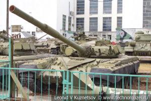 Основной боевой танк Т-80 в Центральном музее Вооруженных Сил