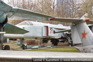 Истребитель-перехватчик Су-27 в Центральном музее Вооруженных Сил