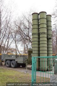 Пусковая установка зенитных ракет комплекса С-300ПТ 70Р6 в Центральном музее Вооруженных Сил