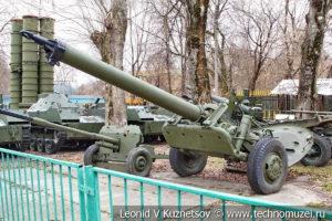 240-мм миномет М-240 образца 1950 года в Центральном музее Вооруженных Сил