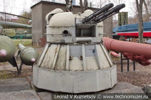 30-мм корабельная автоматическая спаренная зенитная установка АК-230 в Центральном музее Вооруженных Сил